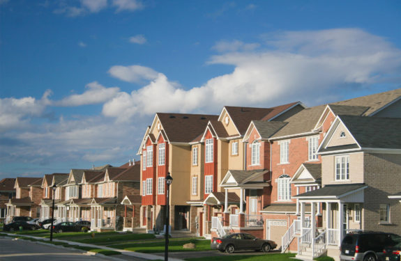 5 Reasons Why You Should Live in a Gated Community